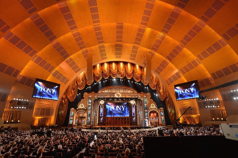 Tony Awards 2020 rimandati, ora sostituiti da Grease singalong