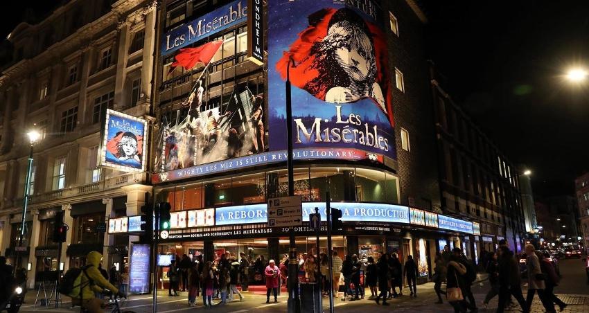Riapertura dei teatri inglesi!
