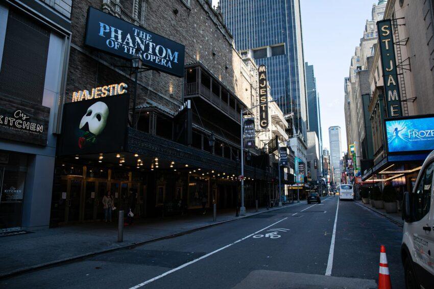 Quali sono i progetti per la ripresa di Broadway? La parola a Broadway League, i produttori e gli addetti ai lavori.
